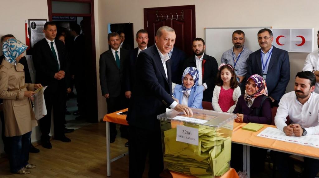 alegeri turcia erdogan la urna