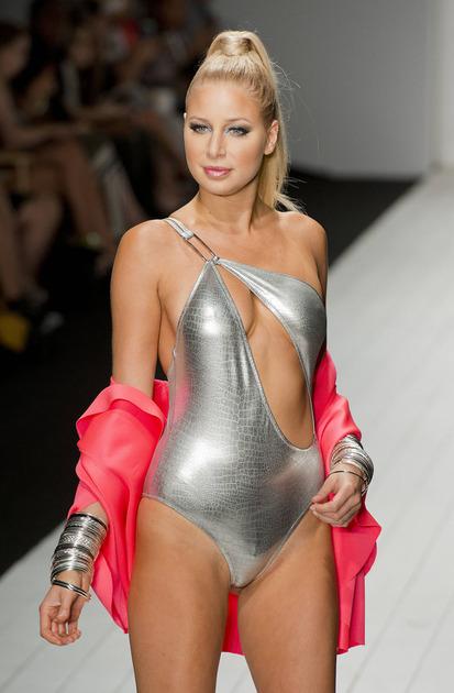 Karen-Abrew-fashion costum de baie