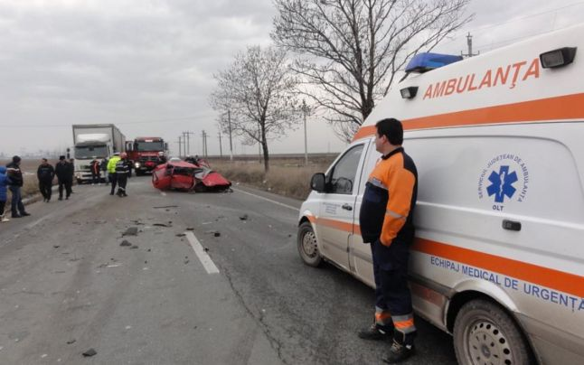 accident la intrare bals