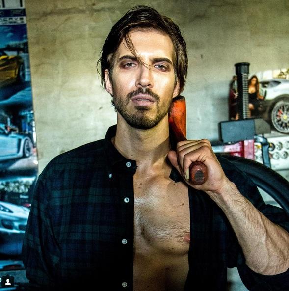 Ryan Marek poza sexy