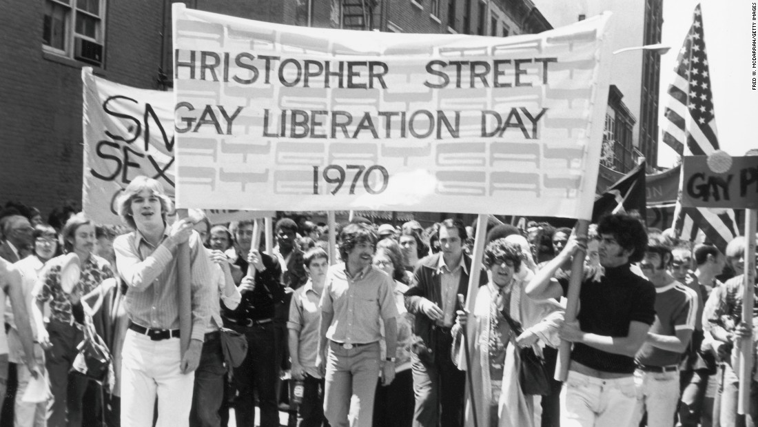 parada gay ani 70