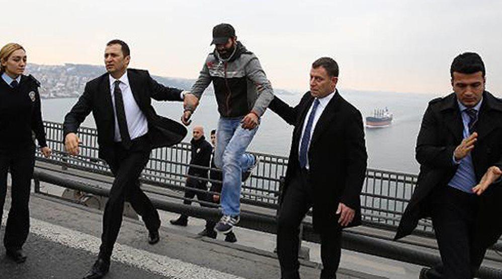 salvat de la sinucidere de presedintele turciei